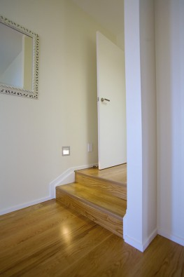 View around small stairs and corners
